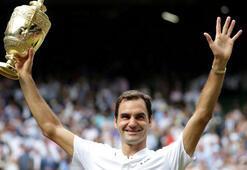 Roger Federer bir kez daha tarihe geçti