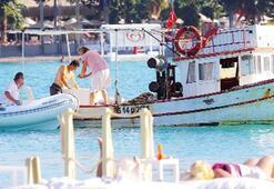 Demet Akbağ'a balık servisi