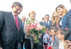 Liderler mülteci  çocukları unutmadı