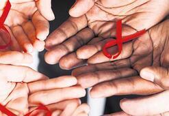 Doğuştan HIV taşıyıcısı çocuk tamamen iyileşti