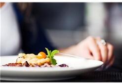 Yemek yerken zorlanan kanser hastaları nasıl beslenir
