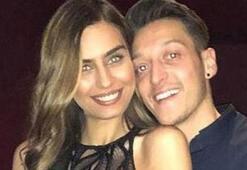 Mesut Özil ve Amine Gülşe yalı dairesi bakıyor