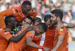Adanaspor şampiyonluk kupasını Yıldırım Demirörenin elinden alacak