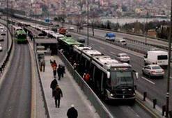 Haliç köprüsünde metrobüs kazası