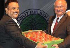 Bülent Serttaşa Söğüt domatesi