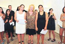 Genç piyanistler sertifikalarını aldı