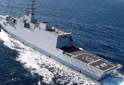 İtalyan savaş gemisi Libya kıyısında