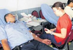 Sekiz saat içinde 30  ünite kan toplandı