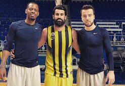 Volkan Demirel, basketbol takımının antrenmanında