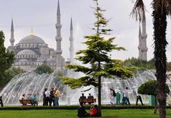 İstanbula ilk 6 ayda 4 milyon 385 bin turist geldi