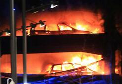 Liverpoolda yüzlerce otomobil yandı