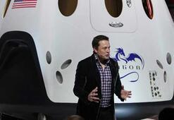 Elon Musk dünyanın en güçlü roketi Falcon Heavynin videosunu paylaştı