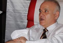 Ahmet Çakar: Fenerbahçenin yeni hocası Lucescu