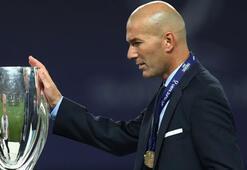 Zinedine Zidane kupaya doymuyor