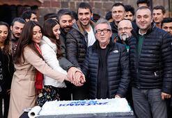 Sen Anlat Karadeniz ekibinden pastalı kutlama