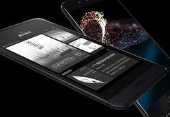 Çift ekranlı YotaPhone 3ün yeni görüntüleri ve fiyatı ortaya çıktı