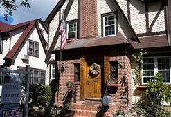 Donald Trumpın çocukluk evi Airbnbden kiralanabilecek