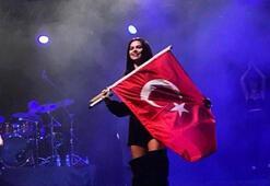 Inna'dan Türk bayraklı yeni yıl mesajı