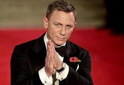 Daniel Craig, James Bond olarak dönüyor