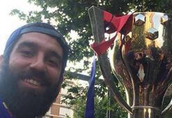 Ardalı Barcelona şampiyonluğu kutluyor