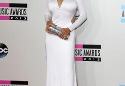Amerikan Müzik Ödüllerinde güzellik yarışı