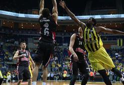 Fenerbahçe - Muratbey Uşak Sportif: 79-60