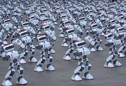 1069 robotu aynı anda dans ettirip Guinnes Rekorlar Kitabına girdiler