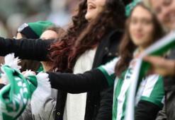 Bursasporun seyircisiz maçları kadınlar ve çocuklara da yasak