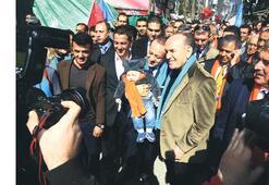 Topbaş ve Bağış CHP'lilerle tokalaştı