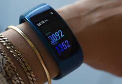 Samsung Gear Fit 2 Pronun tanıtım tarihi ve fiyatı sızdı