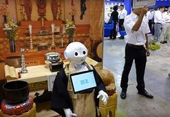 Budist rahip robot cenaze törenlerini yönetecek