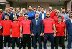 Bakan Baktan Beşiktaşa teşekkür mesajı