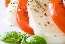 'İftarda peynir, zeytin, domates tüketin'