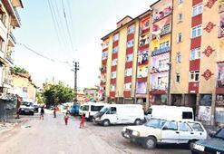 Çocuk militan çıkan  mahalle çaresiz