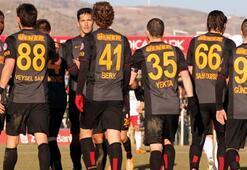 Galatasarayda yenilerin performansı tartışılıyor