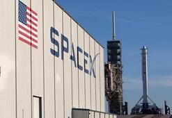 SpaceX, rekor kırarak 12. Falcon 9 roketini başarıyla fırlattı
