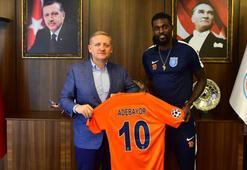 Başakşehir, Adebayor ile 2 yıllık sözleşme uzattı...