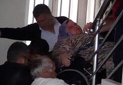 200 kiloluk kadın hastaneye götürülürken düşürüldü
