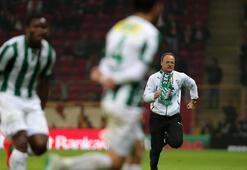 Bursasporun yeni hocasının gol sevinci TT Arenayı kızdırdı