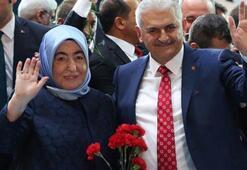 Başbakan Yıldırım ve eşi kurbanını Kızılaya bağışladı