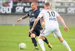 'Sneijder saklanıyor'