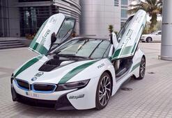 Dubai polisinin birbirinden lüks arabaları...