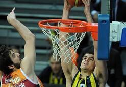 Fenerbahçe Aslana patladı: 77-52