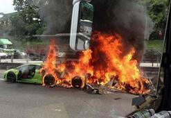 3 Lamborghini aynı kazada yandı