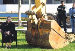 75'lik çevreci nine inşaatı durdurdu