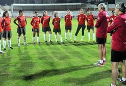 A Milli Kadın Futbol Takımı, Galler hazırlıklarını tamamladı
