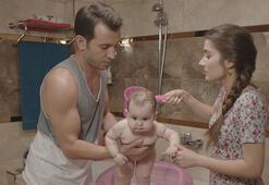 Ver Elini Aşk setinde Su Bebek neşesi