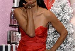 Adriana Lima Victoria's Secret'ın Yılbaşı Meleği