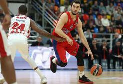 CSKA Moskova, averajla liderliğini sürdürdü.