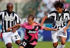 Juventus kaçıyor, Napoli kovalıyor